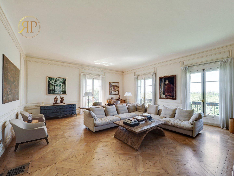 Avenue Foch: 440M2 Splendid Haussmannian Apartment